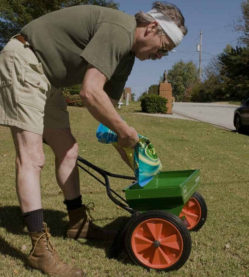 How to Fertilize Your Garden Evenly