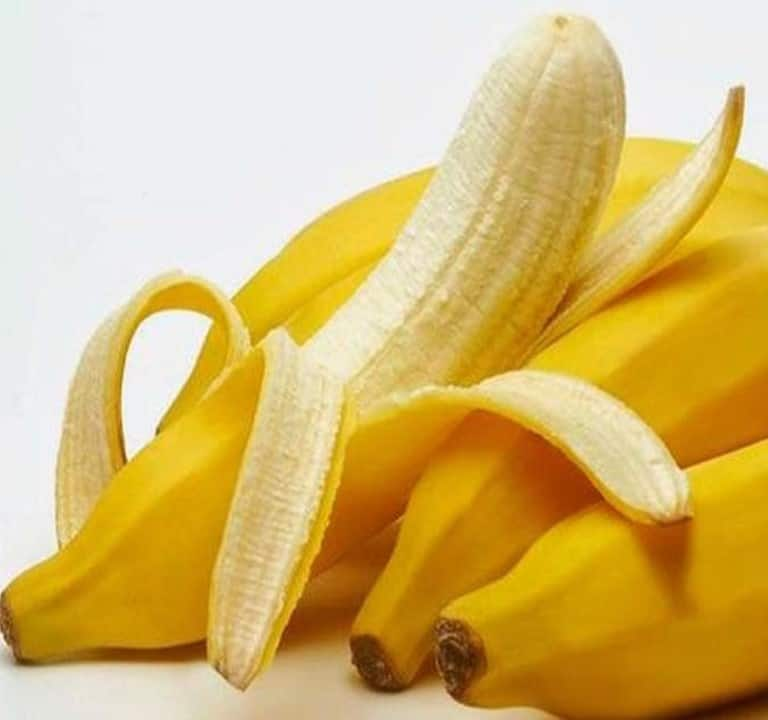 Is a banana peel edible or poisonous? [Nutrition and health risk]