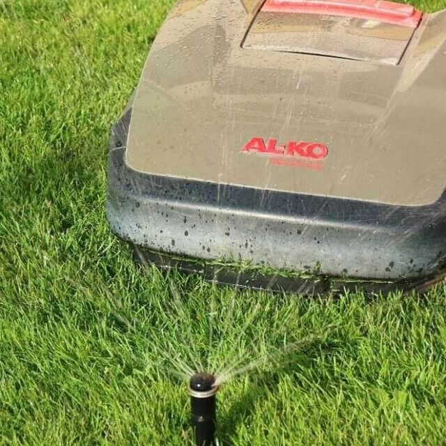 6 Advantages of Smart Sprinkler Controller for Your Lawn